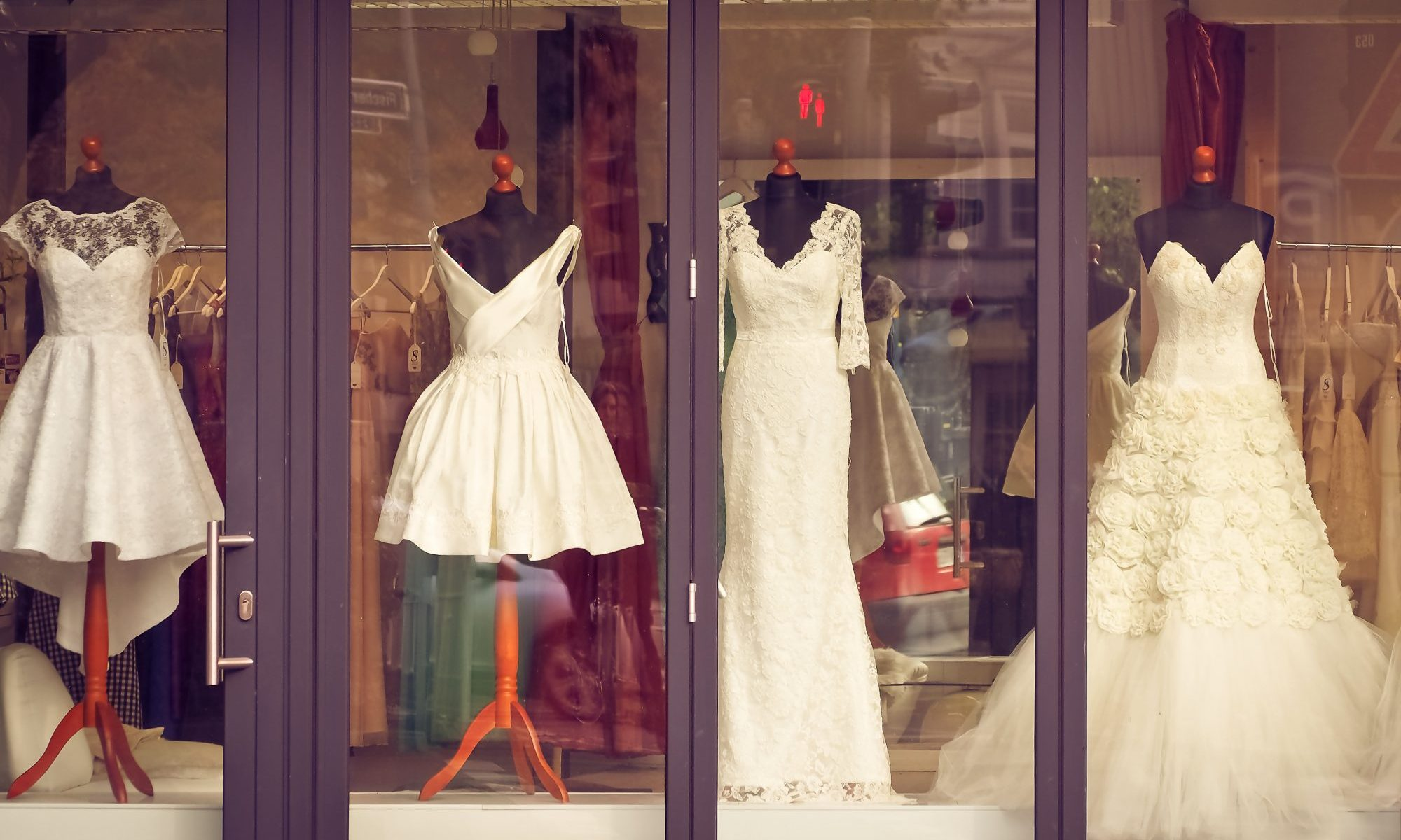 Vintage-Wedding-Dresses.com
